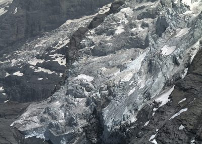 The steep and heavily crevassed terminus of the Giesen glacier.