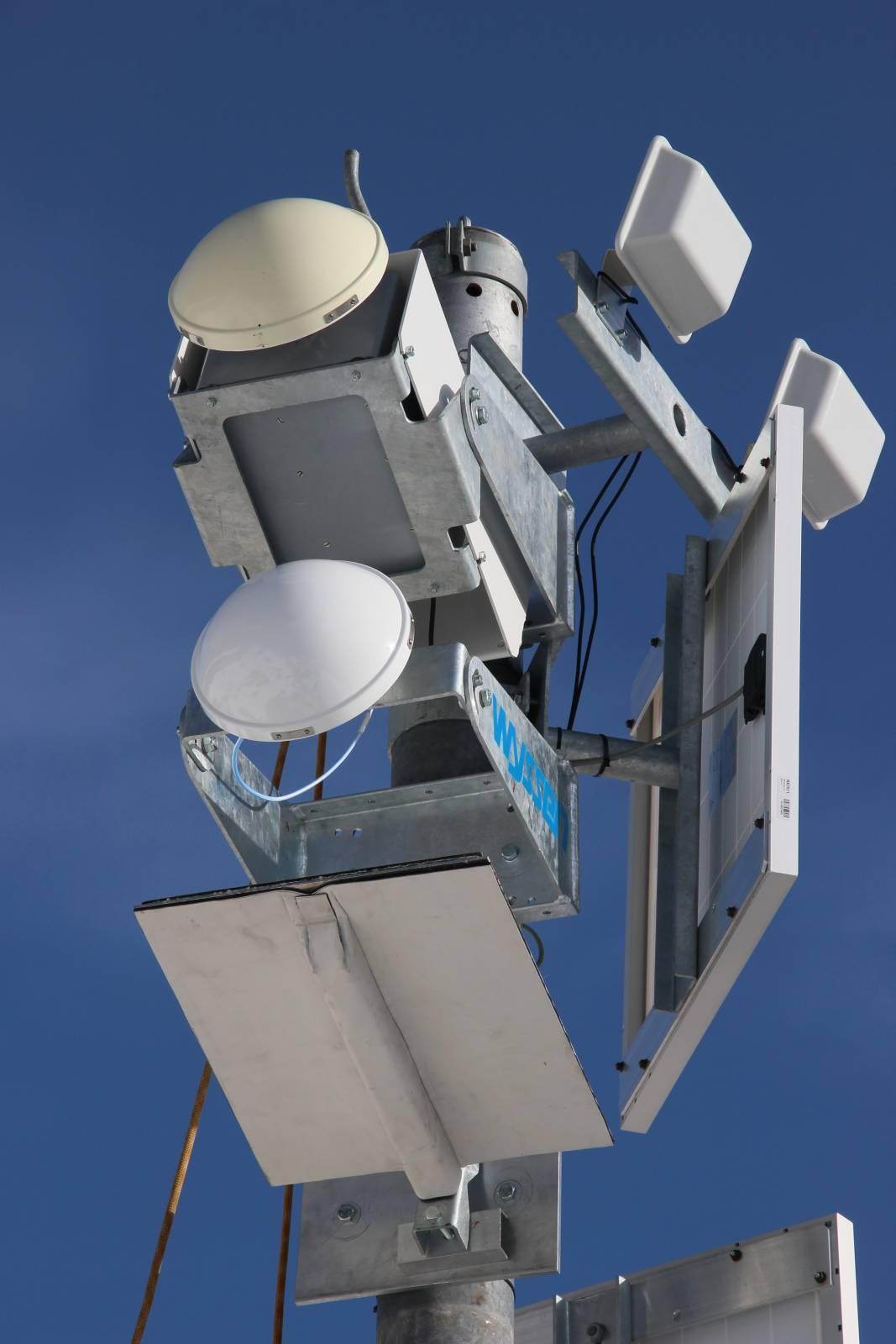 Das Radarsystem mit zwei Antennen erkennt Lawinen sowohl im Anrissgebiet als auch im Lawinenkanal weiter unten.