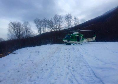Als sich das Wetter nach 6 Tagen besserte, wurde weiteres Material mit dem Helikopter eingeflogen.
