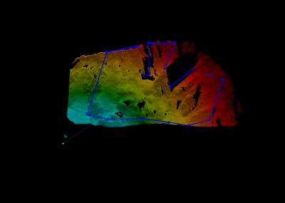 Das verwendeten Radar erlaubt die Überwachung von beinhae dem ganzen Berghang (4 km2). Die Farben geben die Distanz gemäss Skala an.