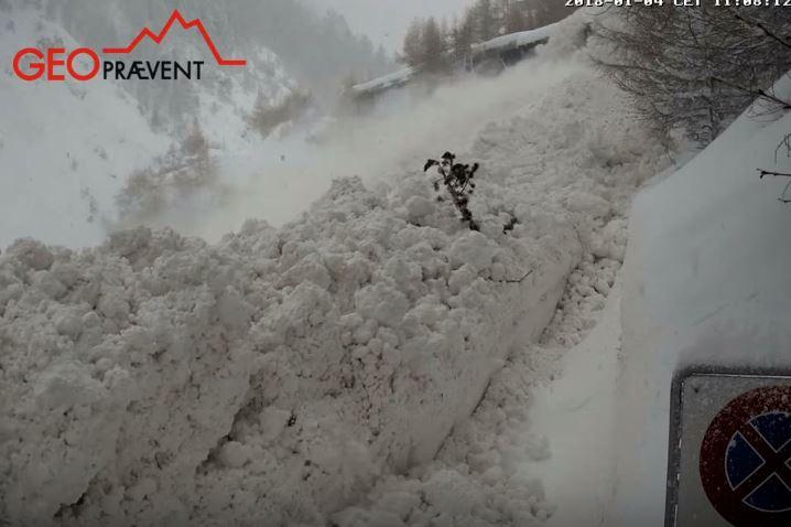 Über 40 Lawinen in 24 h zwischen Täsch und Zermatt