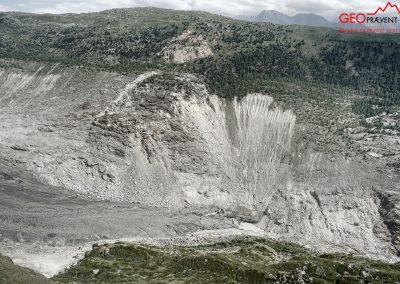Das instabile Gebiet oberhalb der Gletscherzunge, die sich fortwährend zurückzieht.