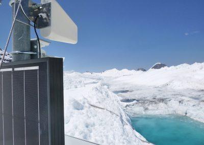 Mobile Kamerastation auf der anderen Seite des Sees am Überlauf.