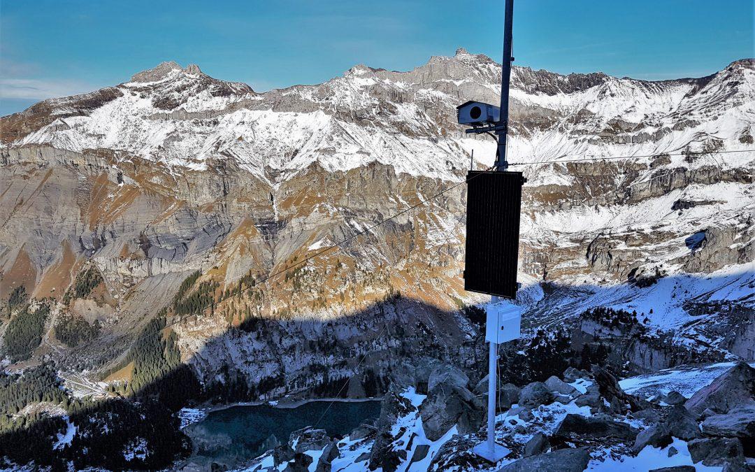 Kandersteg: Geopraevent überwacht Spitze Stei mit Radar und Deformationskamera